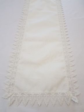"MACRAME VINTAGE LACE EDGED WHITE DECORATIVE TABLE TOP RUNNER 16""x72"" £8.99 EACH"